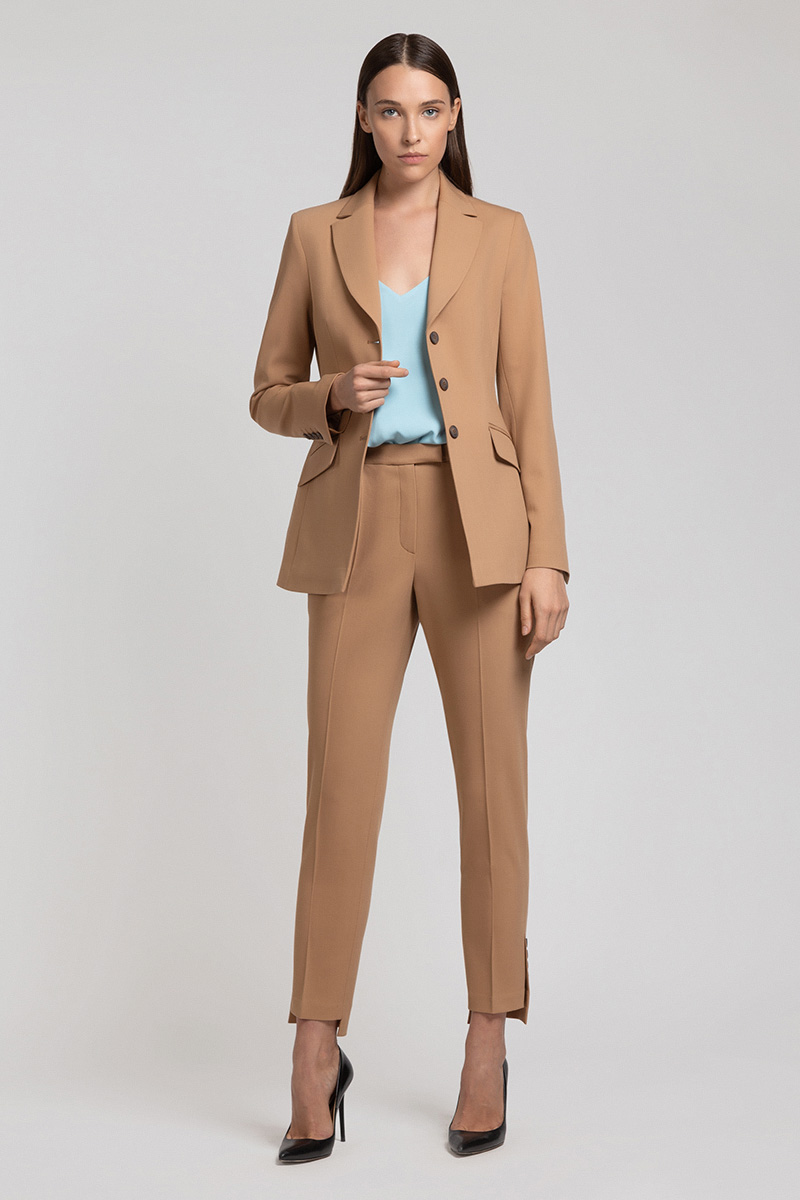 Skinny pants with slit and buttons